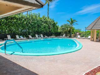 Nice Condo with Internet Access and Satellite Or Cable TV - Marco Island vacation rentals