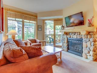 Ski-in/ski-out condo with a shared pool, hot tub & sauna, close to the slopes! - Copper Mountain vacation rentals