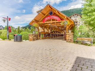 Gorgeous ski-in/ski-out condo with shared hot tub and swimming pool - Copper Mountain vacation rentals