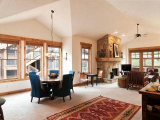 Town Pointe Luxury  3BR/BA condo mt.views, - Park City vacation rentals