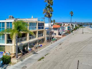 2 WATERFRONT Homes 6br+5.5ba in Mission Beach!!! - Pacific Beach vacation rentals