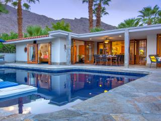 Casa Azul - Stay in luxury, walk to downtown. - Palm Springs vacation rentals