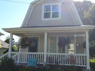 Nice 2 bedroom Cottage in Victoria - Victoria vacation rentals