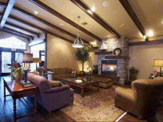 NEW LUXURY CONDO LISTING; GOLF, MTN. & LAKE VIEWS - Flagstaff vacation rentals