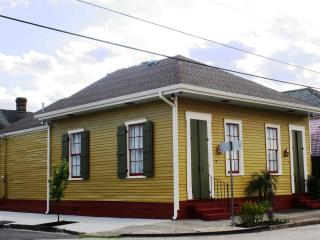 The BEARigny Suites (Rampart House) - New Orleans vacation rentals