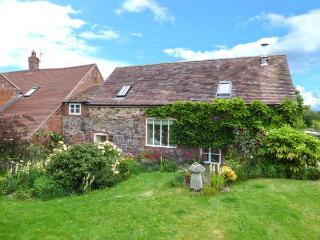 CARO'S COTTAGE, semi-detached, quiet location, WiFi, in Dorrington Ref 926224 - Dorrington vacation rentals