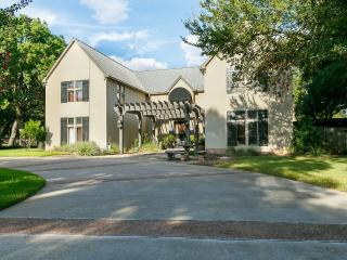 2 Bedroom Golf Course Guest Quarters with kitchen - Georgetown vacation rentals
