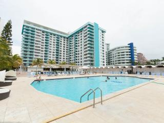 Waterfront 2BR/2BA apartment in Miami Beach ! - Miami Beach vacation rentals