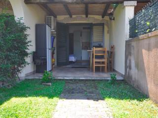 """Little Villa"",100 meters from the beach, A/C - Budoni vacation rentals"