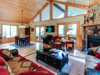 Amazing lodge w/ hot tub & firepit! - McCall vacation rentals