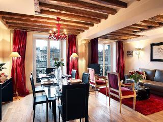View on the Seine, 3BR, 8 guestQuai de Bourbon #93 - Paris vacation rentals