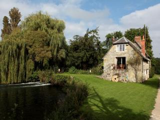 Dinton Mill Cottage located in Salisbury, Wiltshire - Salisbury vacation rentals