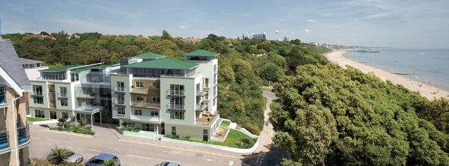 20b Studland Dene located in Bournemouth, Dorset - Image 1 - Bournemouth - rentals