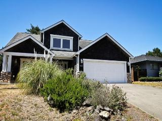 3 bedroom House with Internet Access in Manzanita - Manzanita vacation rentals