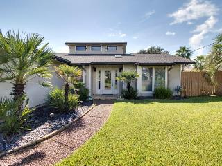 Exquisite home w/ 25 ft. of private dock on the canal & game room! - Gulf Breeze vacation rentals