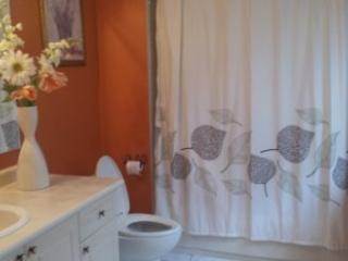 1 Bedroom & Ensuite in Beautiful Escarpment - Milton vacation rentals