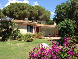 Villa Bouganvillea, 3BR, 3BA AIRCO BEACHSIDE - Santa Margherita di Pula vacation rentals