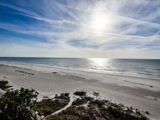 Luxury Beachfront Palazzo - Gulf-Front - Pool - Indian Rocks Beach vacation rentals
