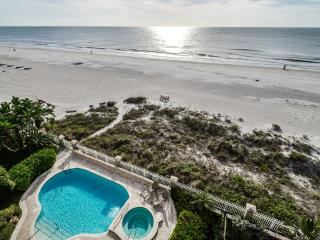 Luxury Beachfront Palazzo - Gulf-Front - Pool - Indian Rocks Beach vacation rentals