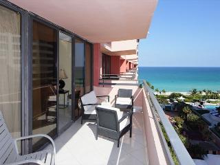 Elegant 1 Bedroom Ocean and Bay Views Miami Beach - Miami Beach vacation rentals
