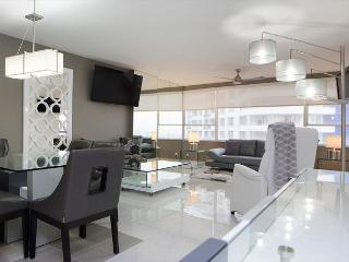 Miami Beach 1121 Modern Jewel 2 Bedroom Corner Suite - Miami Beach vacation rentals