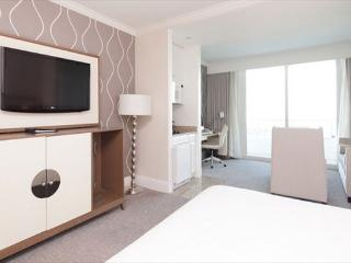 Fontainebleau Tresor Jr Suite with Beautiful Bay Views- 16 - Miami Beach vacation rentals