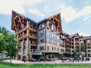 Ski-in/out condo in Northstar w/pool, hot tub, fitness center, & more! - Northstar vacation rentals