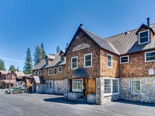 Family-friendly, dog-friendly condo right near Soda Springs! - Soda Springs vacation rentals