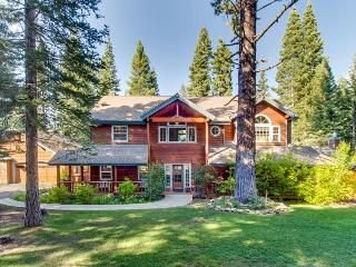 Huge home for 10, hot tub, jetted tub, and game room! - Truckee vacation rentals