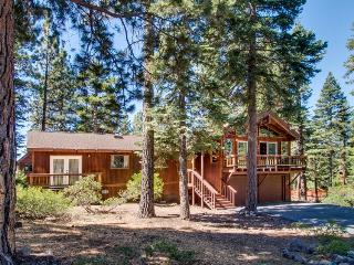 Dollar Point amenities, dog friendly, close to private beach - Tahoe City vacation rentals