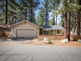 Comfy single-level, dog-friendly home w/ gas fireplace, near Heavenly - South Lake Tahoe vacation rentals