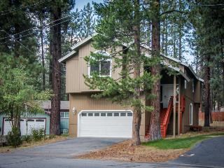 Tasteful home in a quiet neighborhood w/jetted tub, foosball, and more! - South Lake Tahoe vacation rentals