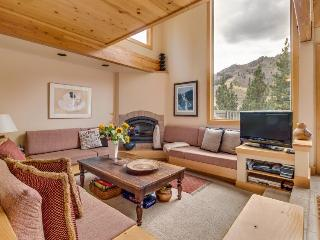Luxury 4-level condo w/ panoramic views of KT and Red Dog! - Alpine Meadows vacation rentals