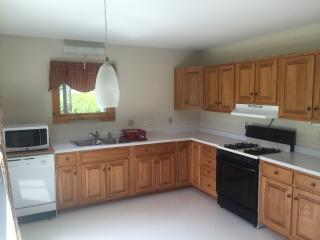 Elmore VT 2 Bedroom Apt. King Bed, Pullout Couch - Lake Elmore vacation rentals