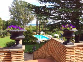 Charme Villa lake view, B&B room & cooking class - Bracciano vacation rentals