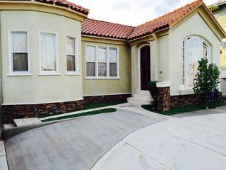 Private Room in Mid-City Los Angeles - Los Angeles vacation rentals