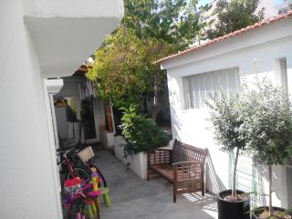 Nice Villa with Parking and Grill - Lisbon vacation rentals