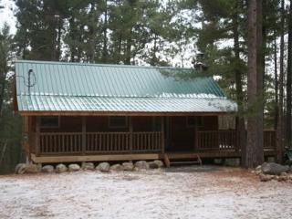 Comfortable Cabin with Deck and Internet Access - Jay vacation rentals