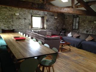 Spacious Barn with Internet Access and Parking - Kilnsey vacation rentals