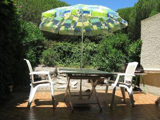 Secure Villa with Quiet & Lovely Secluded Garden - Cap-d'Agde vacation rentals
