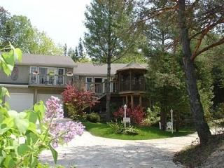A Wymbolwood Beach House - 2 Bedroom Suite - Tiny vacation rentals