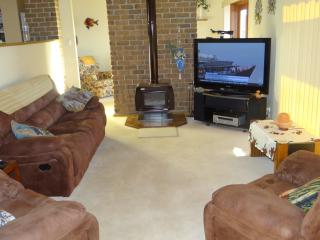 Mentone Pet Friendly Holiday Beach House - Adelaide vacation rentals