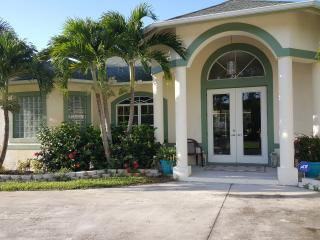 Fablous 4 bedroom single family home by the water - Port Saint Lucie vacation rentals