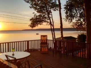 Oceana Cottage-2017 IS BOOKING UP!!! - Lion's Head vacation rentals