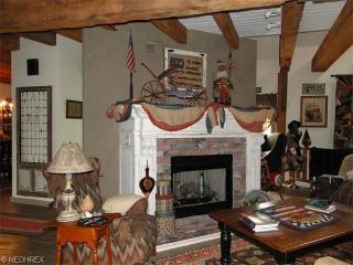 Cider Mill of Zoar - Chloe's Room - Zoar vacation rentals