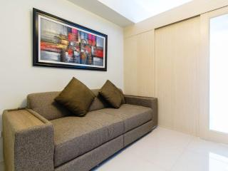 New & Cozy 1 BR Makati w/ Pool (D) - Makati vacation rentals