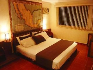 Cosy private Cancun Room in the Heart of Town - Cancun vacation rentals