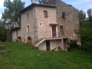 Cozy 2 bedroom Farmhouse Barn in Civitella Roveto - Civitella Roveto vacation rentals