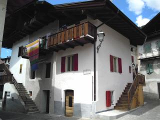 Casa tradizionale Primiero,ai piedi delle Dolomiti - Mezzano vacation rentals