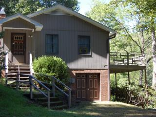 Riverbend Retreat - Crumpler vacation rentals